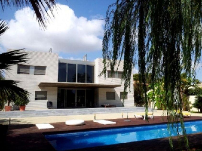 Недвижимость в испании достопримечательности